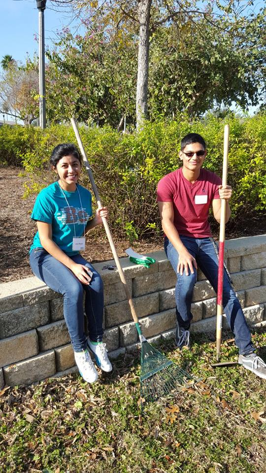 service - utrgv clean up day.jpg