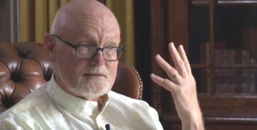 Stephen Parker doctor en psiquiatría y psicología y maestro de yoga y meditación.
