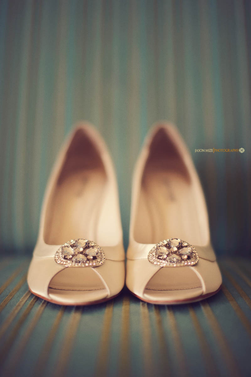 renaissance vinoy wedding: bridal shoes