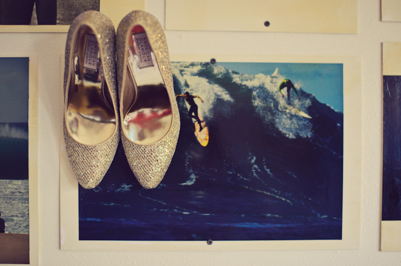 Postcard Inn: shoes surfing
