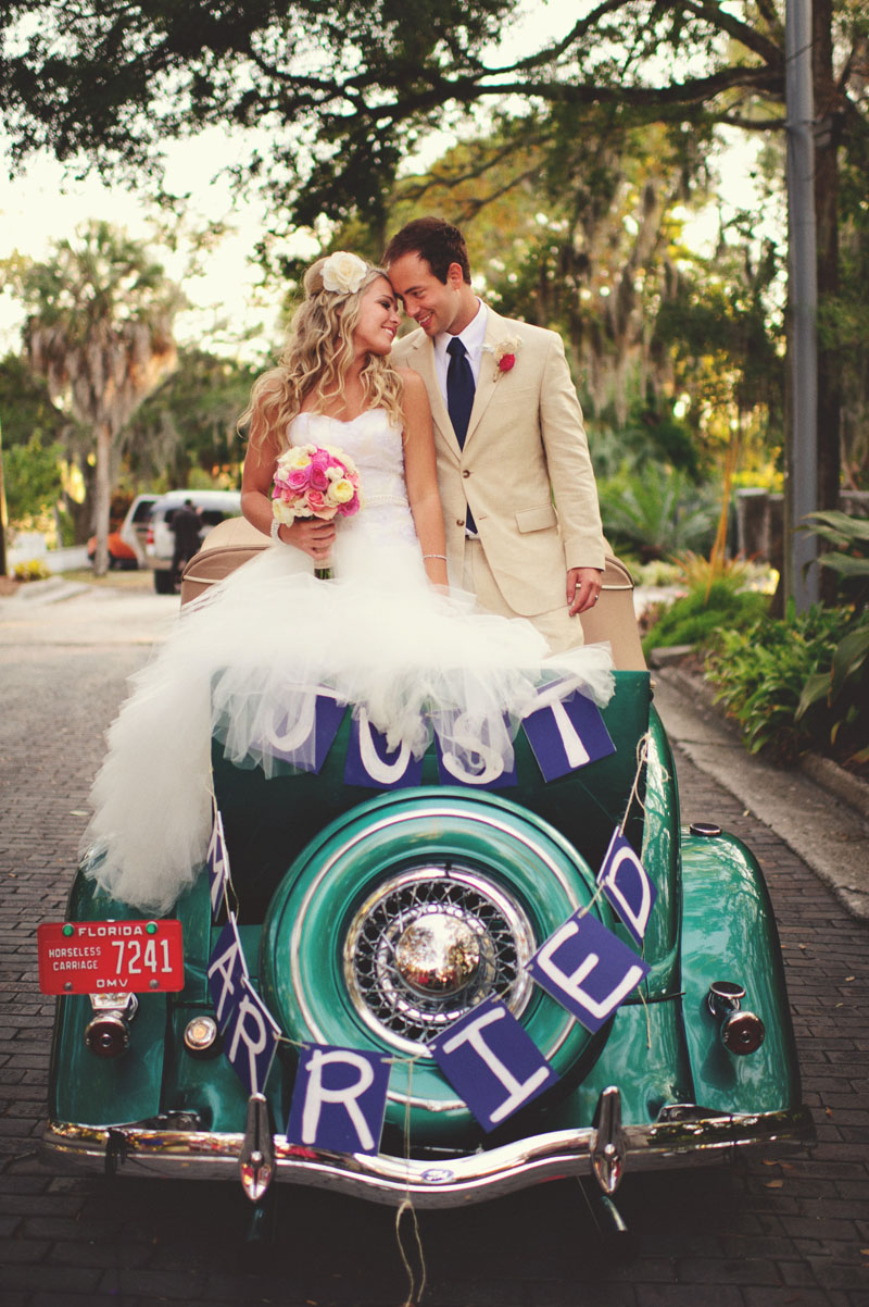 selby gardens wedding: antique car