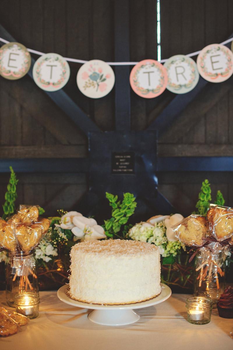 Winter Park Famers Market Wedding: cake