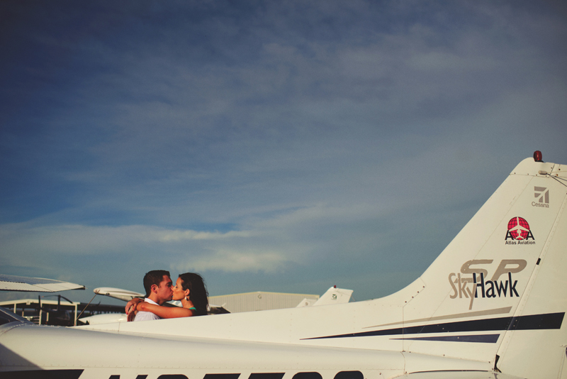 romantic airport engagement session: sky hawk