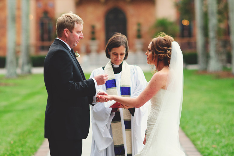 ringling museum wedding: putting on rings