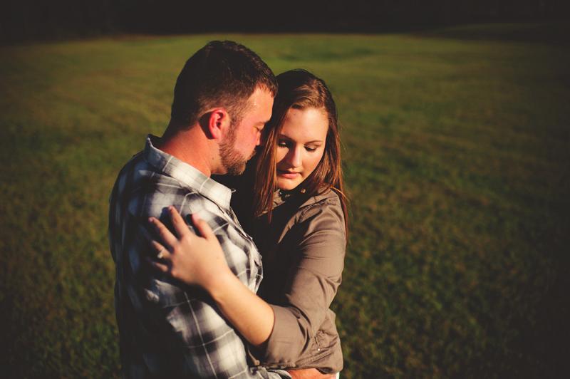 romantic-woodsy-farm-engagement-jason-mize-018