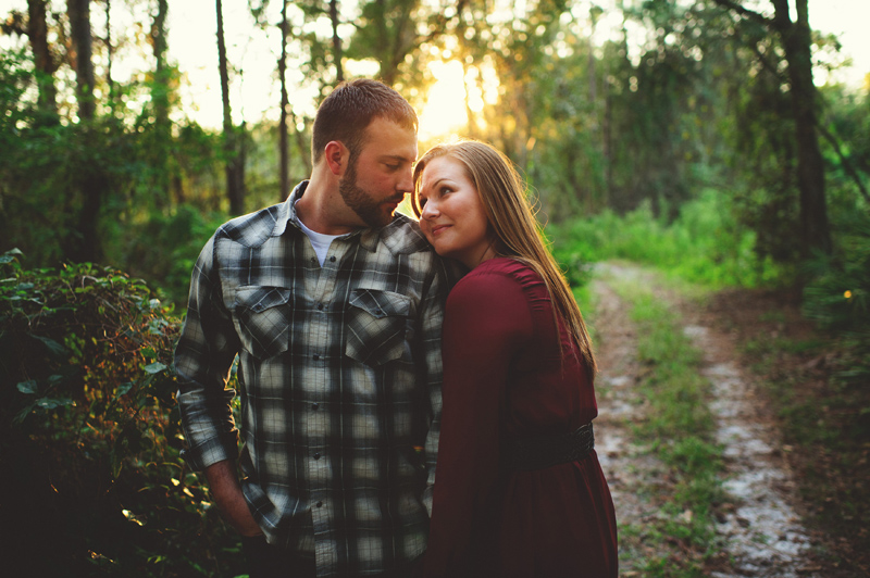 romantic-woodsy-farm-engagement-jason-mize-027