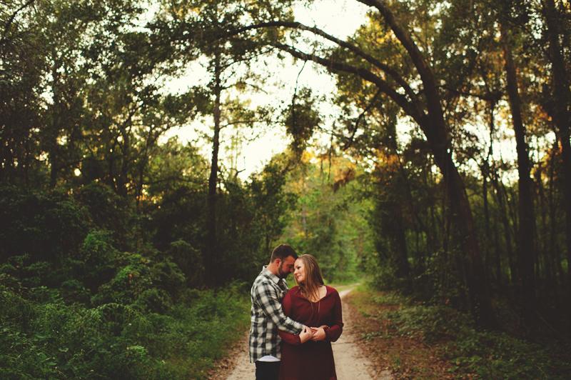 romantic-woodsy-farm-engagement-jason-mize-029