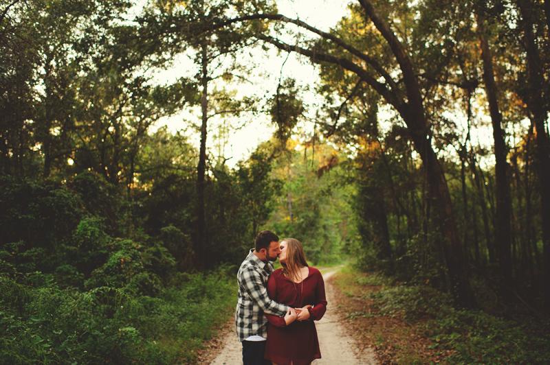 romantic-woodsy-farm-engagement-jason-mize-030