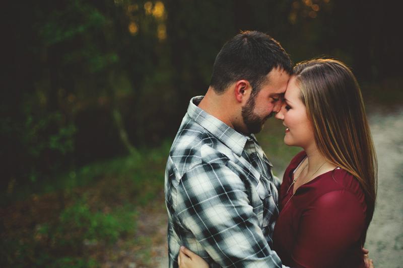 romantic-woodsy-farm-engagement-jason-mize-031