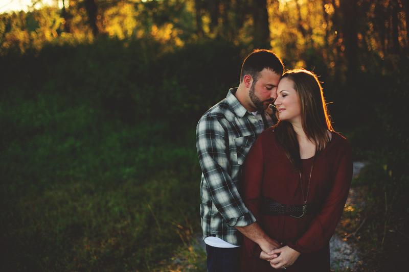 romantic-woodsy-farm-engagement-jason-mize-037