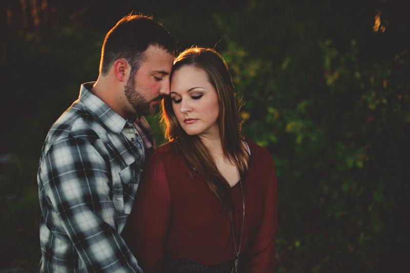 romantic-woodsy-farm-engagement-jason-mize-040
