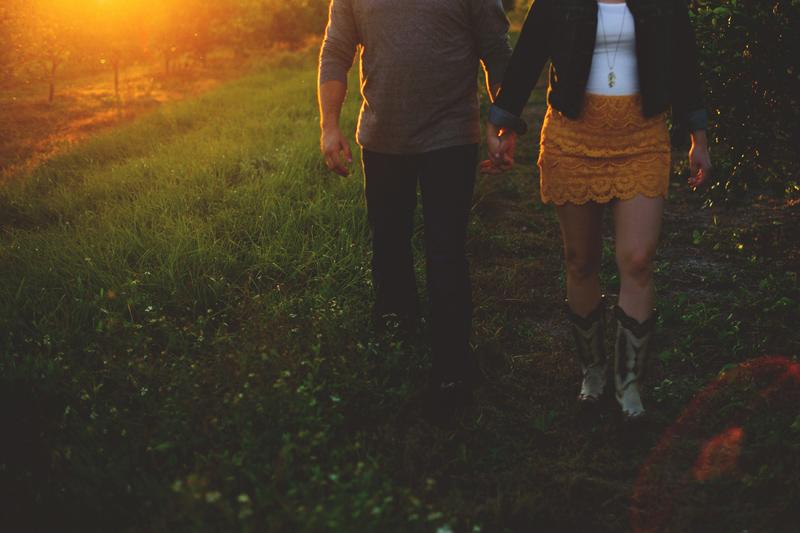 romantic-woodsy-farm-engagement-jason-mize-045