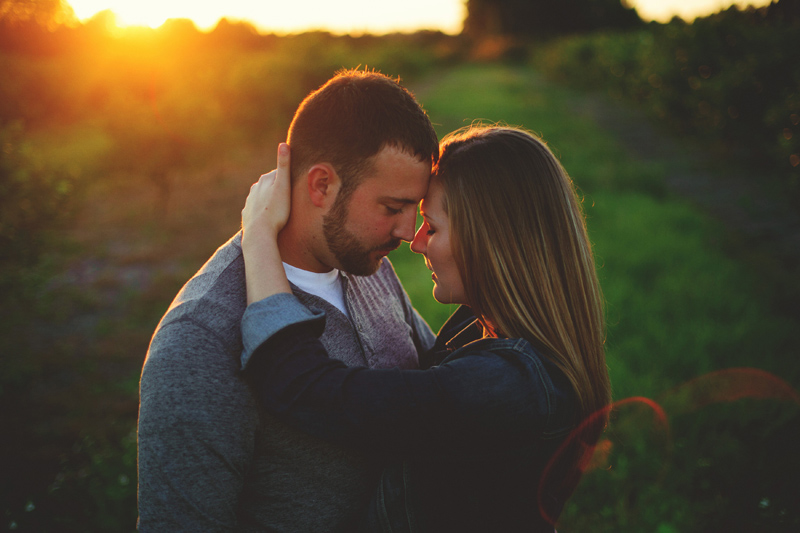 romantic-woodsy-farm-engagement-jason-mize-049