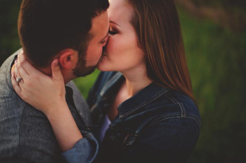 romantic-woodsy-farm-engagement-jason-mize-052
