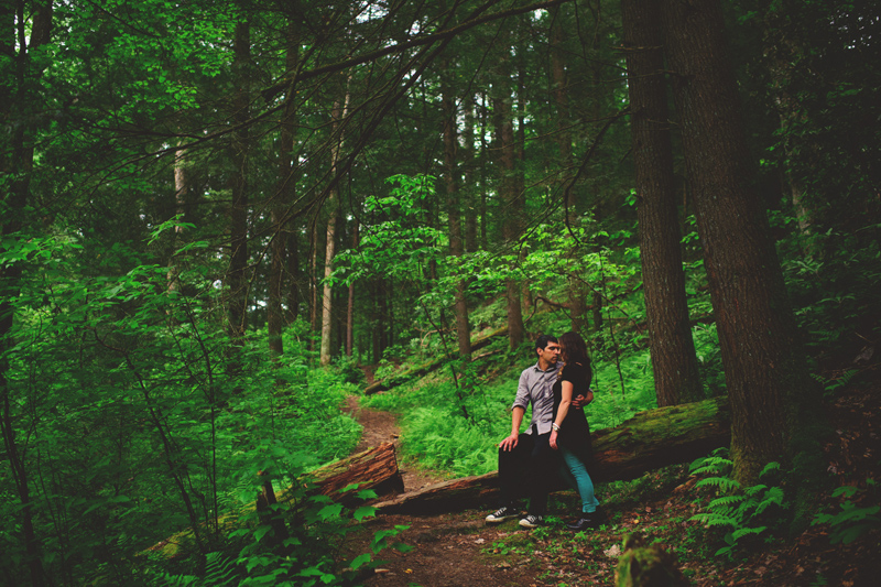 red river gorge engagement: sitting on a log