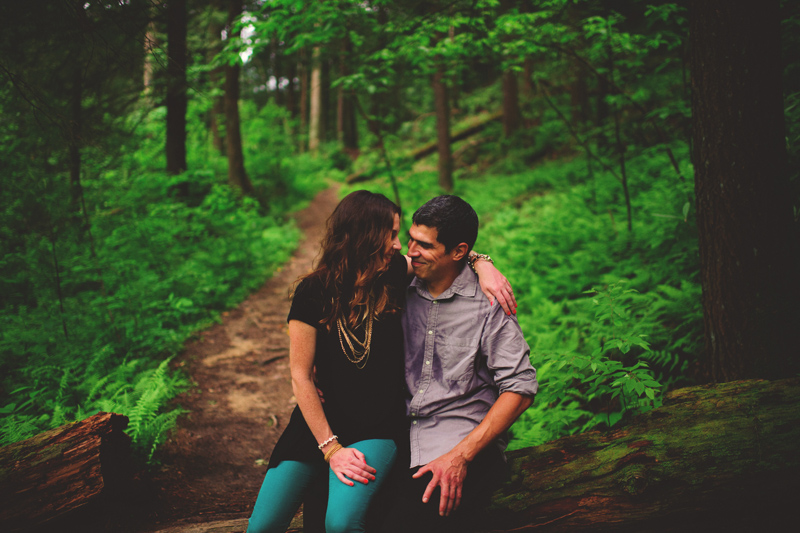 red river gorge engagement: happy couple