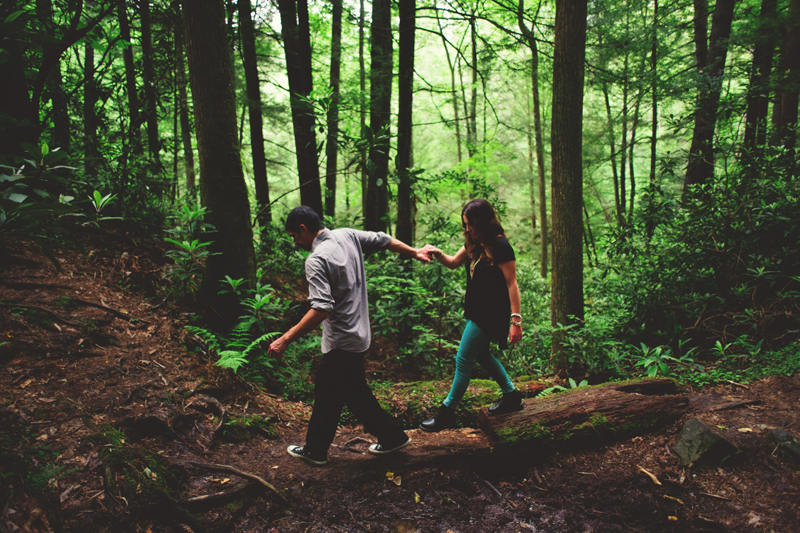 red river gorge engagement: crossing over a path