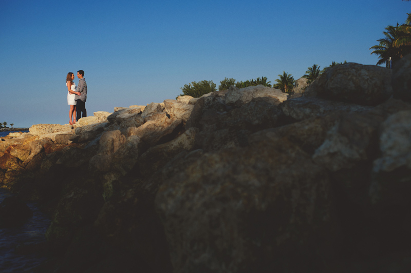 jupiter-romantic-engagement-photos-018