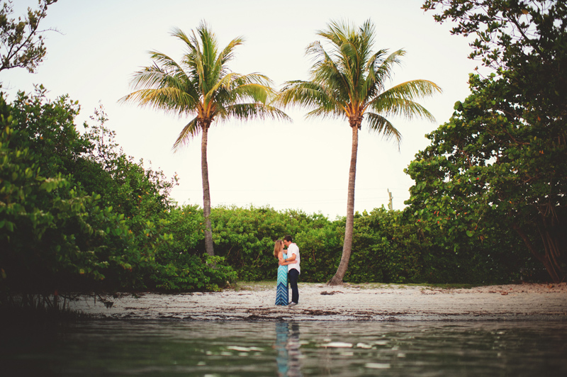 jupiter-romantic-engagement-photos-037