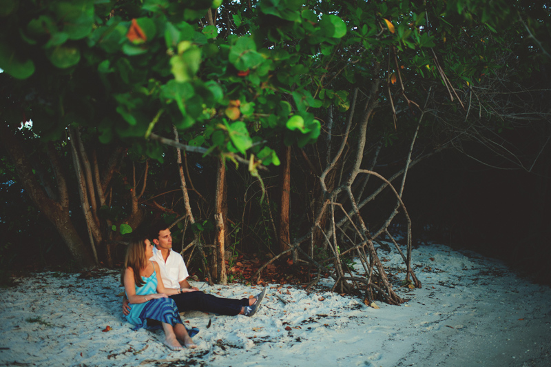 jupiter-romantic-engagement-photos-039