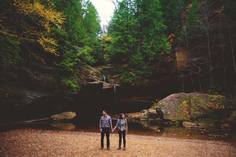 hocking hills engagement: leaves changing