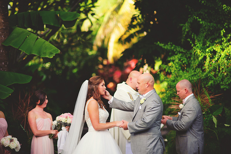 romantic sundy house wedding: sweet moments