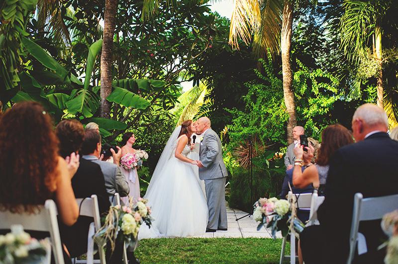 romantic sundy house wedding: first kiss
