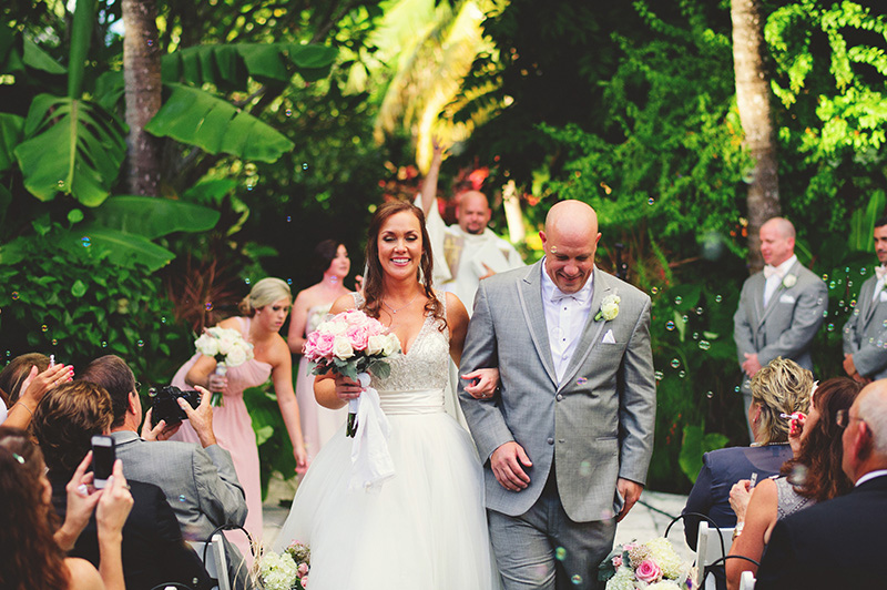 romantic sundy house wedding: precessional