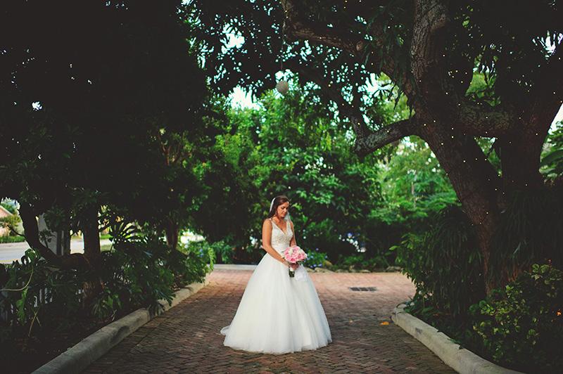romantic sundy house wedding: bride pics