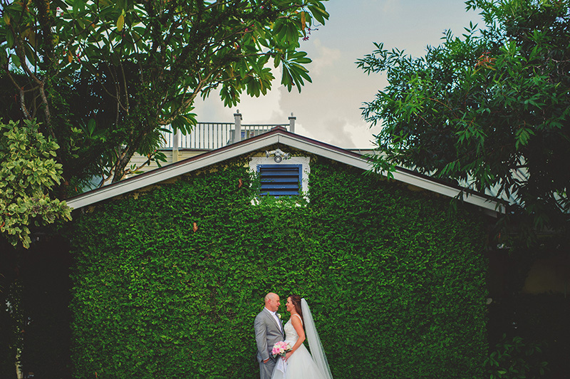 romantic sundy house wedding: bride and groom