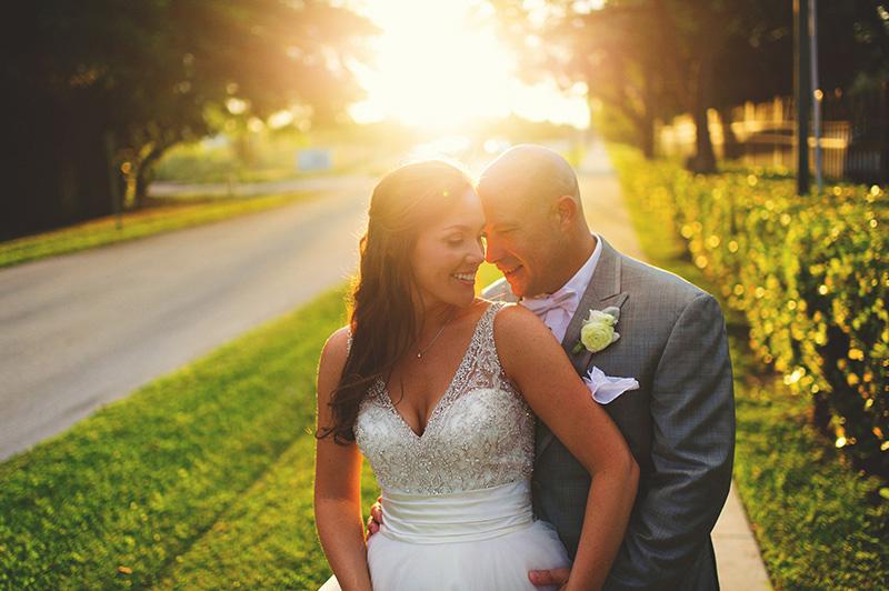 romantic sundy house wedding: sunny bride and groom pics