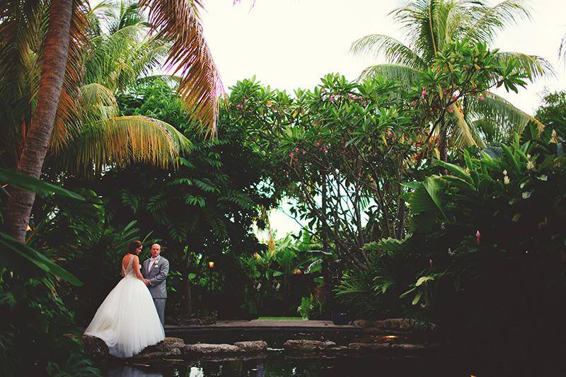 tropical wedding photographer