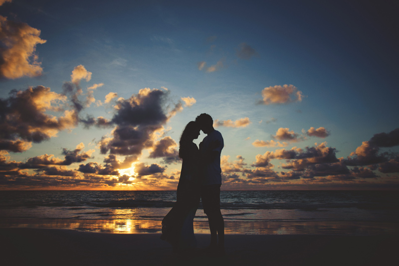 harbour island couple photos: sunrise