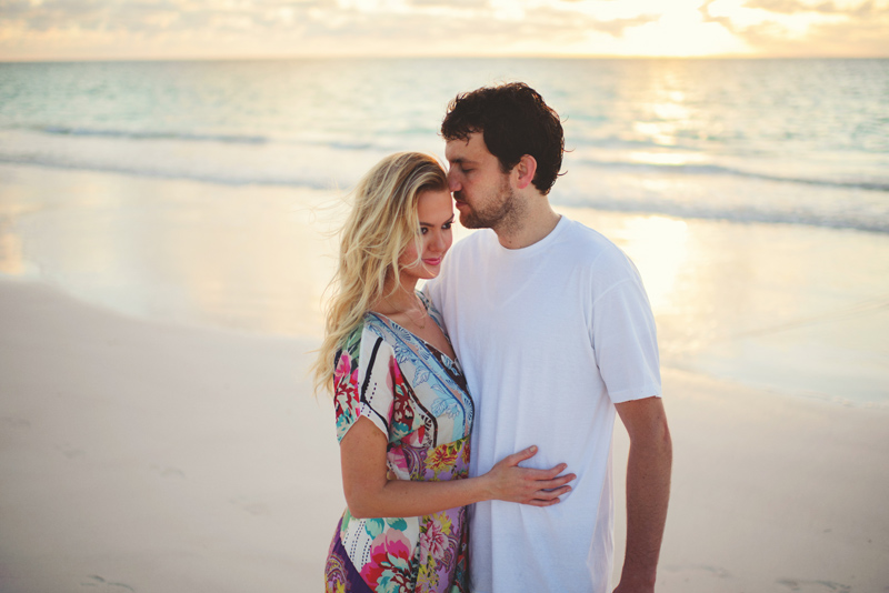 harbour island couple photos: romantic pics