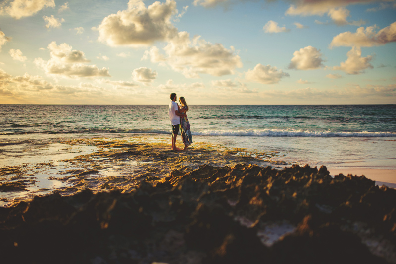 bahamas wedding couple on rocks