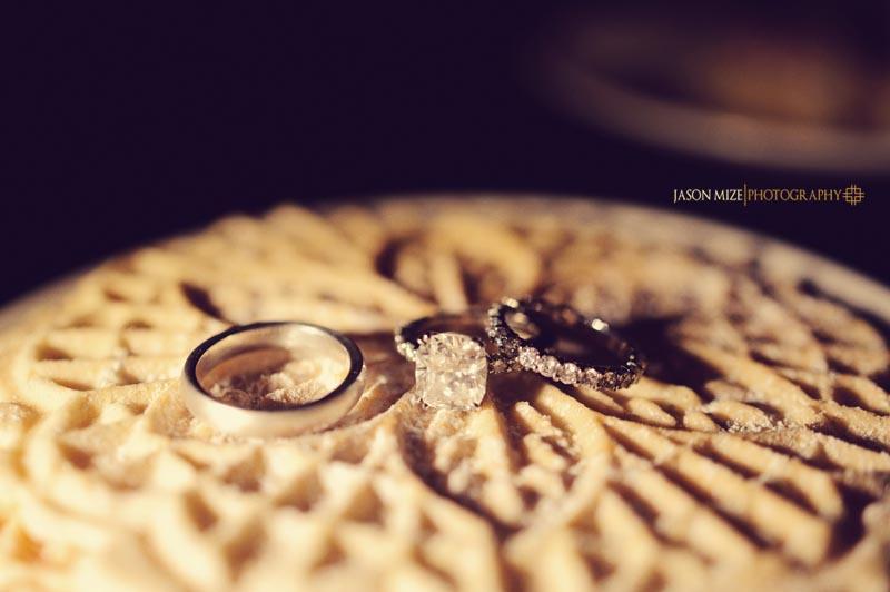 sandpearl wedding: rings