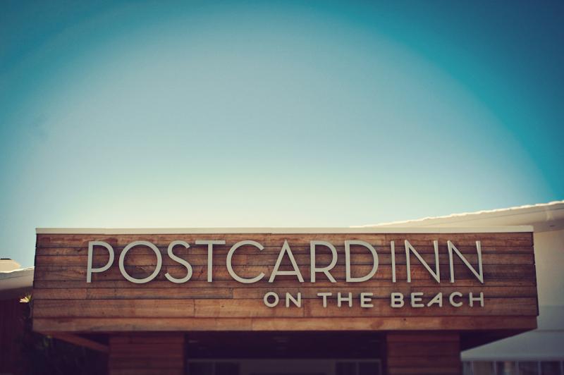 Postcard Inn: sign