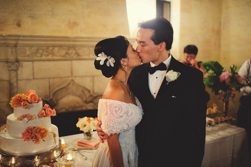 powel crosley estate wedding: cake kiss