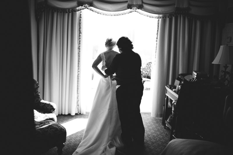 Biltmore Estate Wedding: getting dressed