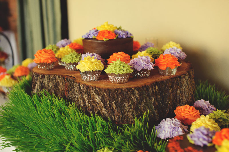 woodland wedding cupcakes