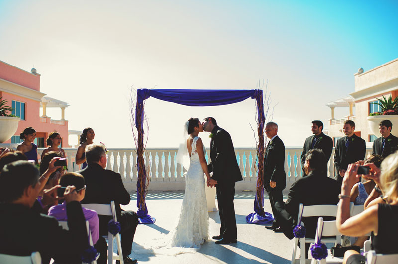 hyatt clearwater wedding: first kiss