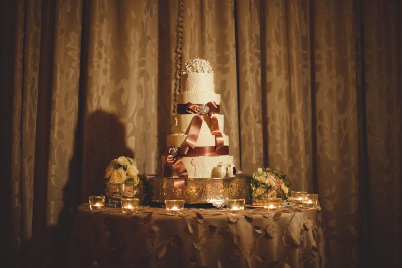vinoy renaissance wedding: wedding cake