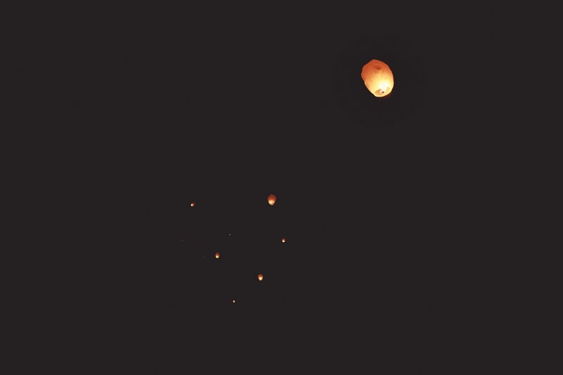 chinese wishing lanterns