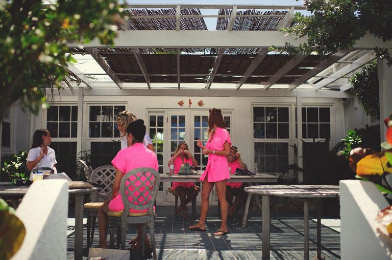 Harbour Island Wedding: bridesmaids getting ready