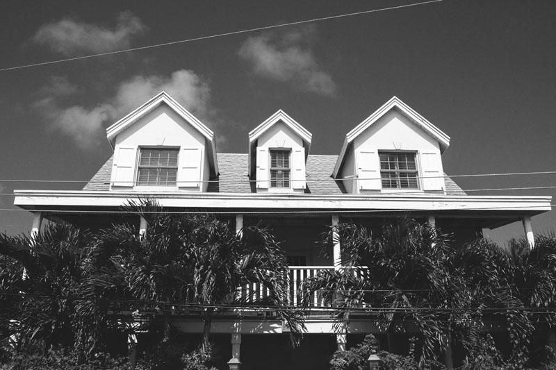 Harbour Island Wedding: groom house
