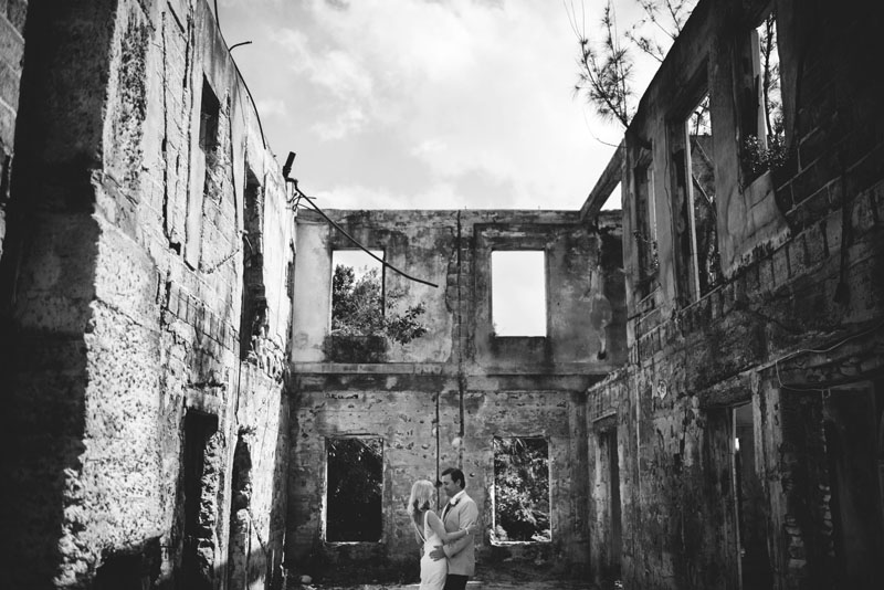 Harbour Island Wedding: Haunted house pictures