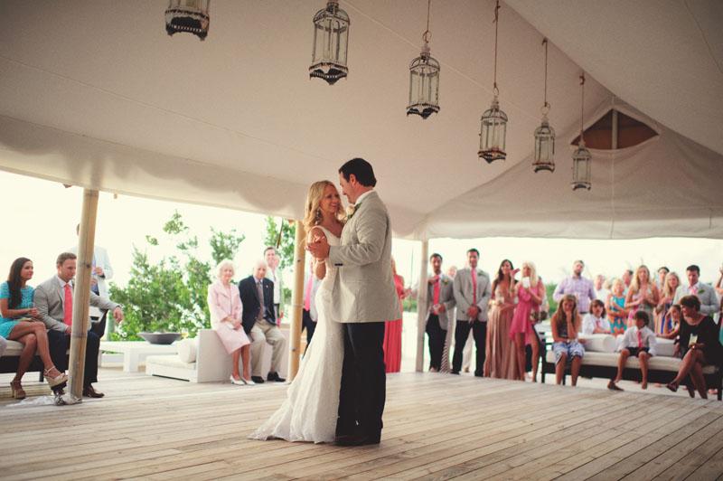 Harbour Island Wedding: first dance