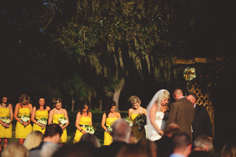 plant city farm wedding: praying