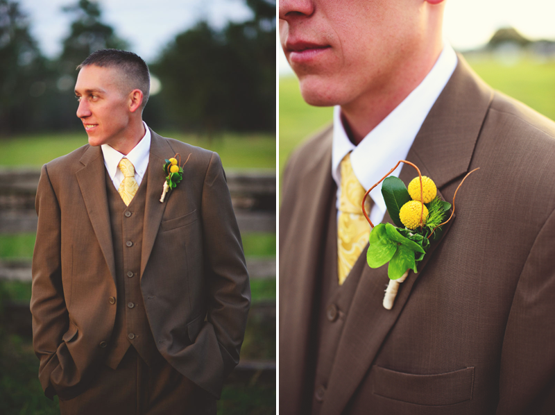 plant city farm wedding: grooms boutonniere
