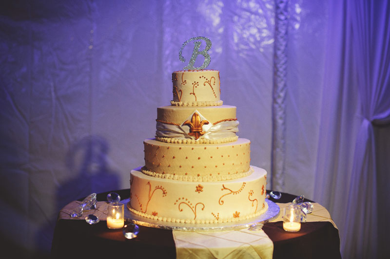 plant city farm wedding: cake